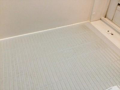 浴室クリーニング 都城市 床の汚れ 通常料金ではここまで