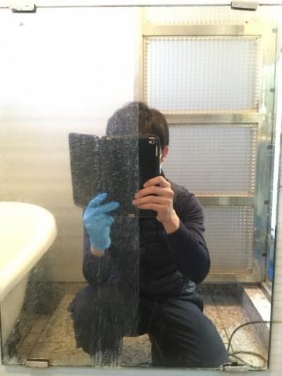 鏡ウロコ お風呂掃除 掃除途中