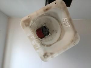 浴室の換気扇 分解