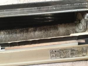 エアコンクリーニング 内部の汚れ