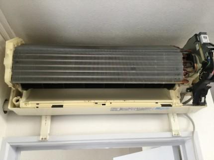 三菱 エアコン 分解